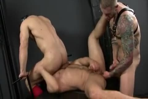 charming raw 3some fuck