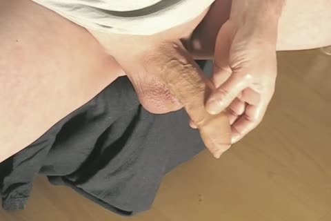 Robin Jerking His shaved Oiled Uncut