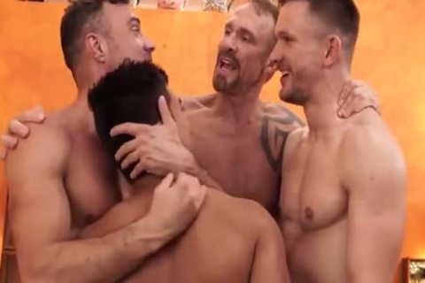 homo Shoplifter threesome oral sex-job In Backroom